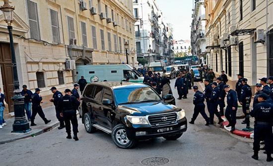 تأجيل أول محاكمة في قضايا فساد لرموز نظام بوتفليقة