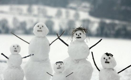 دعوات للالتزام في البيوت وعدم الخروج بسبب الثلوج