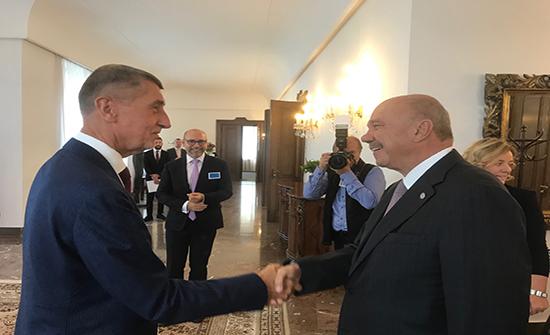 الفايز يدعو الاتحاد الاوروبي لمساعدة الاردن ولعب دور اكبر في عملية السلام