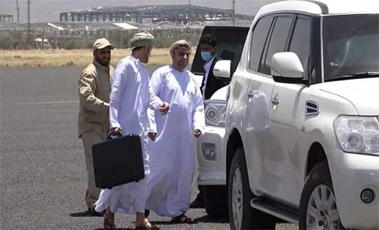 وصول وفد من المكتب السلطاني العماني إلى صنعاء