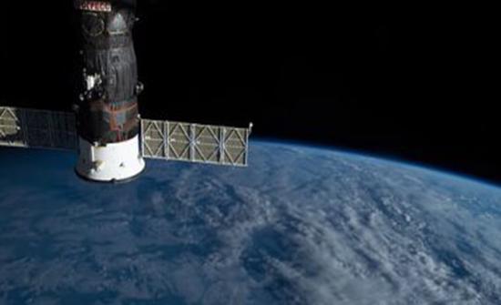 مركبة سبايس أكس المأهولة تنفصل عن محطة الفضاء الدولية