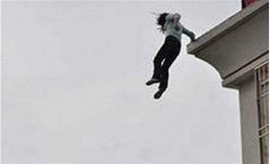 فضيحة تلاحق مسئولاً مغربيًا.. فتاة اصطحبها إلى فندق تحاول الانتحار من غرفته
