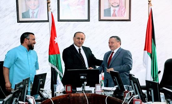 الطفيلة التقنية توقع اتفاقية تمويل مشروع بحثي للدكتور أحمد الجعافرة