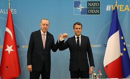 """بروكسل.. انتهاء لقاء أردوغان وماكرون على هامش قمة """"الناتو"""""""