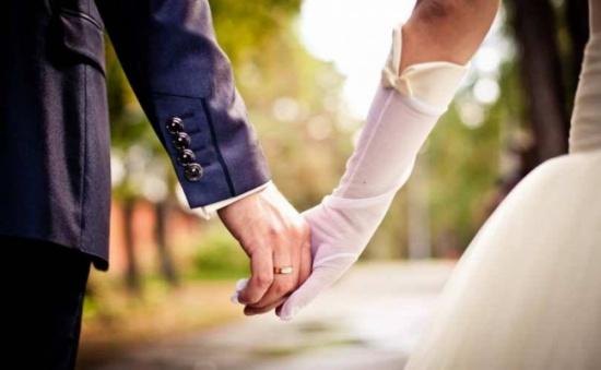 مؤثر جداً – ممرضة تتبرع لمريضها بكليتها وتتزوجه... إليكم القصة كاملة