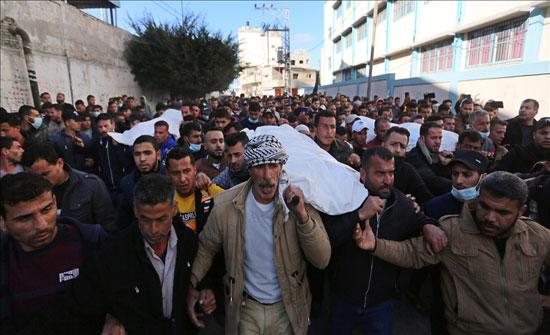 غزة.. تعليق الصيد تضامنا مع أسر صيادين قتلوا في بحر القطاع
