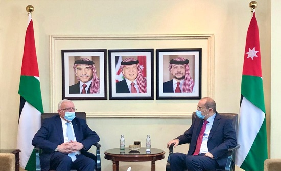 الصفدي يلتقي نظيره الفلسطيني في عمّان