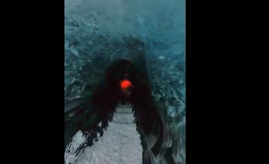 بالفيديو: كهف مرعب من الثلوج في ايسلندا