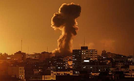 الاحتلال يقصف موقعاً للمقاومة في قطاع غزة