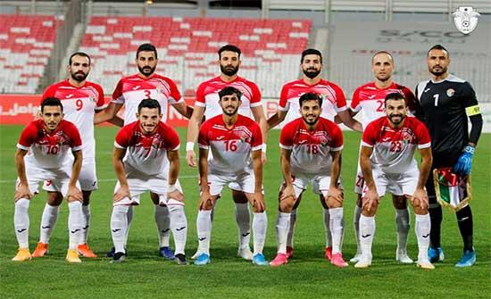 منتخب الكرة يبدأ تدريباته في قطر بإشراف مدربه الجديد