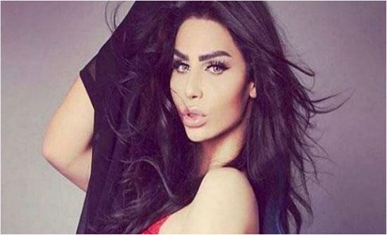 المتحول هيفاء ماجيك تظهر مرتديه العباءة والحجاب في دبي - صورة