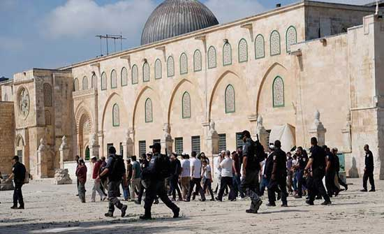 حماس: أبلغنا الوسطاء بخطورة استفزازات المستوطنين بالأقصى