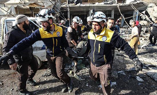 بالفيديو : مقتل 11 مدنيا في قصف للنظام السوري على إدلب