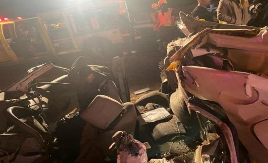بالصور.. حادث مروع ينهي حياة 6 أشخاص من عائلة واحدة في السعودية