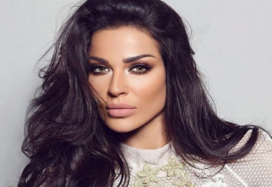 نادين نجيم تثير تفاعلا بإطلاق فلتر باسمها على إنستغرام - فيديو
