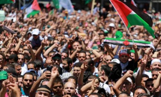 اردنيون يحتشدون على الحدود مع اسرائيل  لنصرة الشعب الفلسطيني