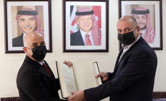 العودات يلتقي مدير مركز التوثيق الملكي