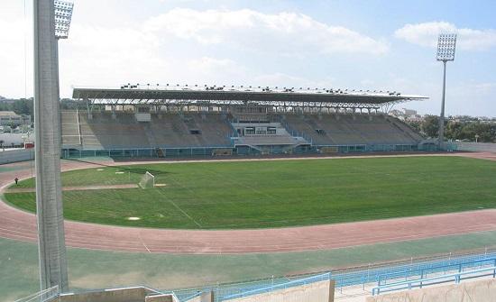 مدير مدينة الحسن الرياضية يؤكد بدء تصويب أرضية ملعب كرة القدم