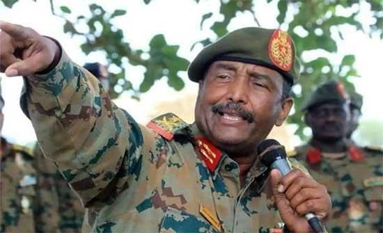 البرهان يمنح منطقتي النيل الأزرق وجنوب كردفان حكما ذاتيا في السودان
