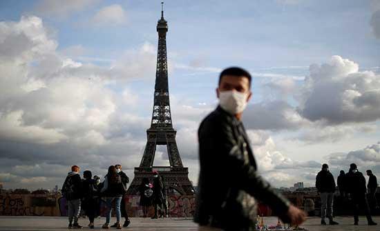فرنسا تشدد قيود السفر على المسافرين القادمين من بعض الدول