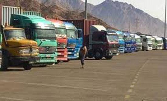 الخصاونة:  وجود 21 ألف شاحنة بالأردن