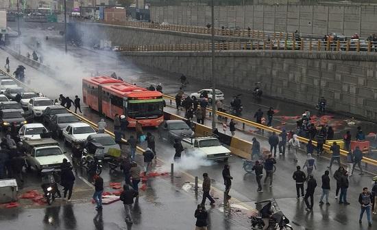 قمة لآلاف المعارضين للنظام الإيراني استعداداً لسقوط النظام