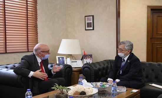 وزير الأشغال يبحث والسفير الياباني تعزيز التعاون في مجال الإنشاءات
