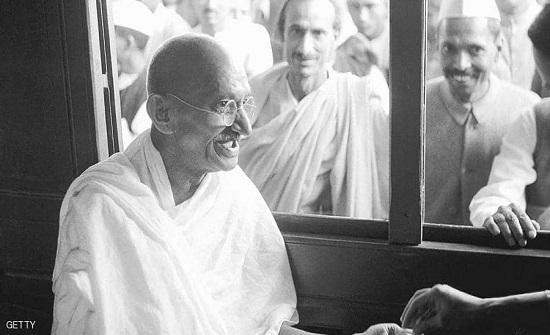 في ذكرى ميلاده.. سرقة رماد جثة المهاتما غاندي