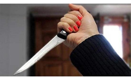 راودها حماها عن نفسها فمزقت جسده بالسكين