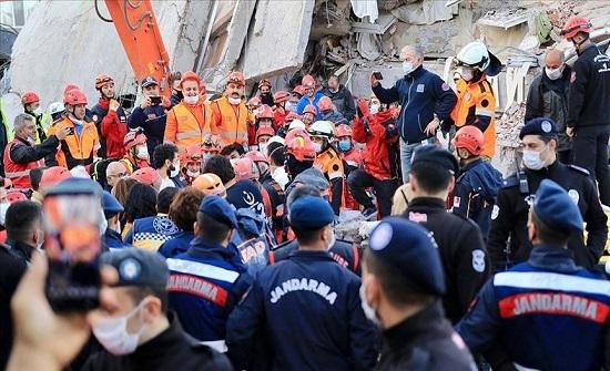 """""""آفاد"""" التركية: ارتفاع ضحايا زلزال إزمير إلى 79"""
