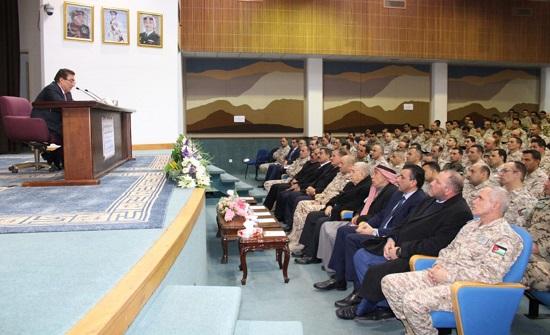 رئيس مجلس النواب يحاضر في كلية القيادة والأركان الملكية