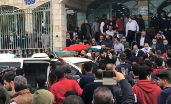 بالفيديو : تشييع جثمان النائب السابق يحيى السعود وشقيقه في جبل التاج