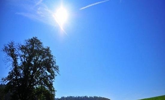 الجمعة : تعمق الكتلة الهوائية الحارة نسبياً