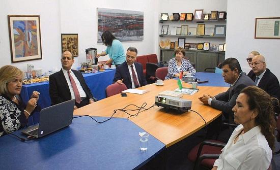 بحث التعاون بين جمعية الحسين ووزارة التخطيط والتعاون الدولي