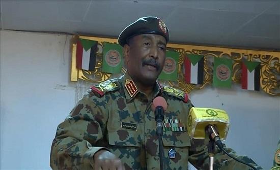 البرهان: المكون العسكري حريص على إنجاح الانتقال الديمقراطي