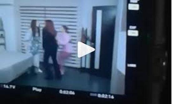 بالفيديو - شجار في الكواليس يؤدي الى سقوط الممثلات اللبنانيات فوق بعضهن