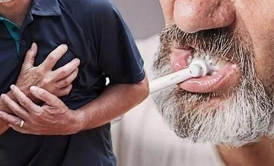 مؤشر في أسنانك على احتمال إصابتك بنوبة قلبية