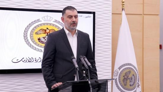 وزير العمل: تنسيق تأمين متطلبات ادامة الحياة للمواطنين قريبا