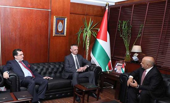 رئيس غرفة تجارة عمان يدعو لتأسيس علاقات تجارية مع بيلاروسيا