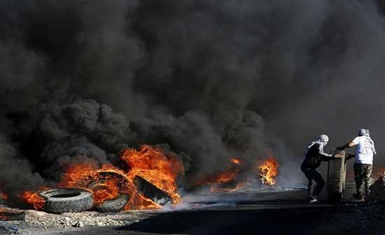 """إخلاء بؤرة استيطانية في """"بيتا"""" وإصابات بمواجهات مع الاحتلال"""