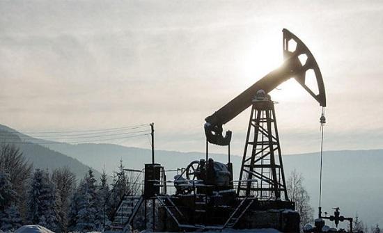 النفط يرتفع بفعل تراجع مخزون الخام الأمريكي