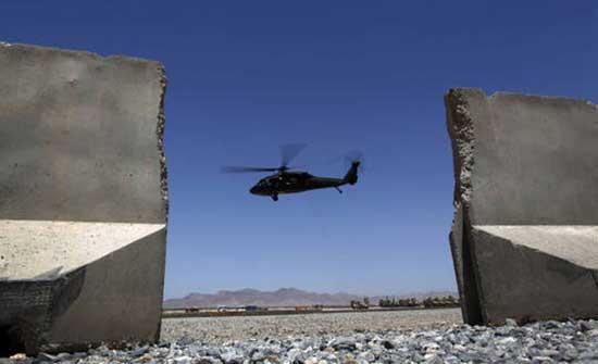 """""""طالبان"""" تسيّر دوريات جوية بمروحيات أمريكية .. بالفيديو"""