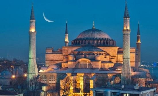 """الإفتاء المصرية تهاجم تركيا وتقول: """"بُنيت آيا صوفيا ككنيسة حتى احتل العثمانيون إسطنبول فحولوا المبنى إلى مسجد"""""""