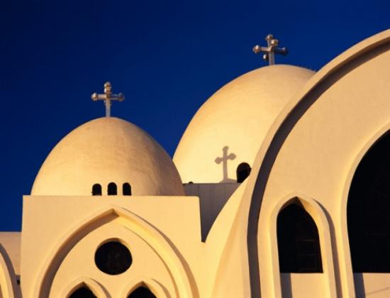 """المسيحيون يحتفلون اليوم بـ""""أحد الشعانين"""""""