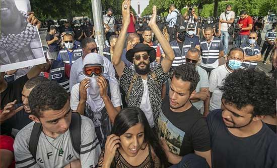 """تونس.. مسيرة احتجاجية تنديدا بـ""""القمع البوليسي"""""""