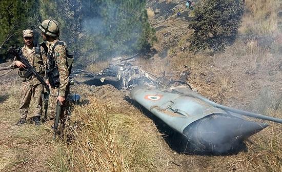 مقتل جندي وإصابة آخر في اشتباكات مع إرهابيين غربي باكستان