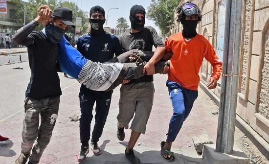 العراق.. وفاة ناشط بالاحتجاجات متأثرا بإصابته برصاص مجهولين