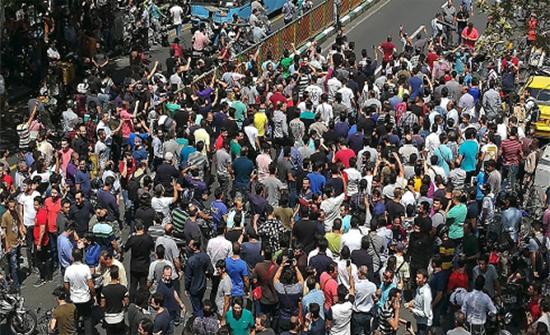 حملة اعتقالات بالأهواز.. وتظاهرات ضد خامنئي بطهران