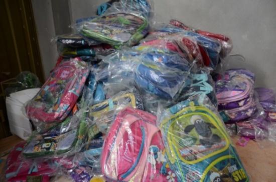 حملة لتوزيع حقائب صحية في الطفيلة