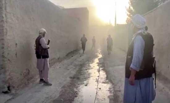 """مسلحو """"طالبان"""" يقتحمون عاصمة إقليم هلمند ويسيطرون على غوزارا وكاروخ"""
